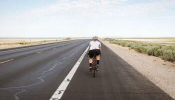 Aprende a evitar lesiones comunes al practicar ciclismo